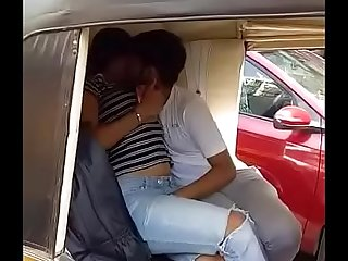 Couple caught having sex in Autorickshaw in Mumbai