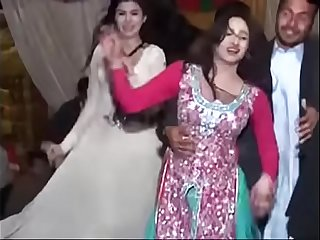 Dance of Escorts in Lahore Party by SexInLahore.Com