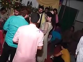 New Hot Arbic Girl On Pakistani Wedding   Mujra Dance