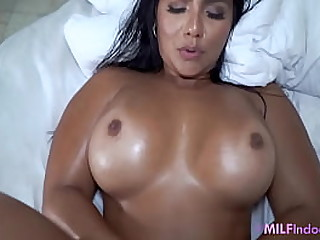 MILF Mom Learns From Son To Earn