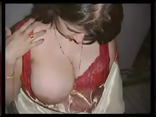 My favrite desi Big Boobs aunty